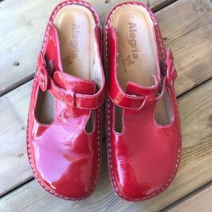 Alegria Red Patent Shoes Classic Clog Slip On 40